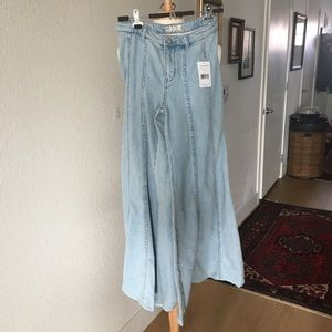 Free People NWT Wide Leg Jeans size 0